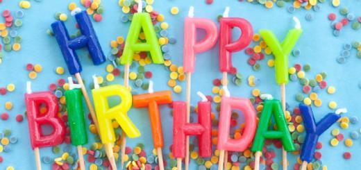 Bunte Kerzen zum Geburtstag